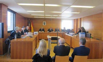 Prisión para los dos acusados de hacerse pasar por médicos en Vinaròs (Castellón) por intrusismo y estafa