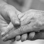Cómo rejuvenecer las manos con ácido hialurónico