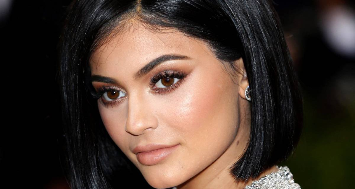 Kylie Jenner recupera sus labios naturales