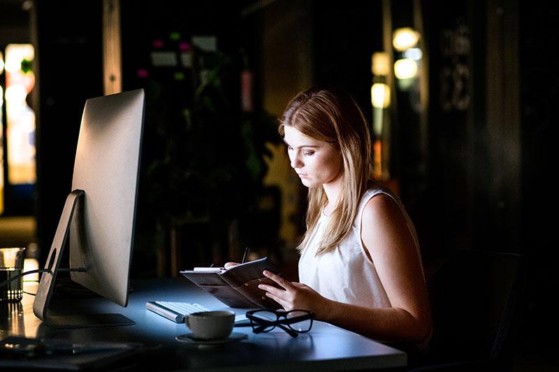 Envejecimiento digital. Cómo protegernos de la luz azul